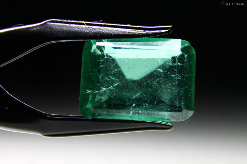 Ceramic glass, imitation of Emerald