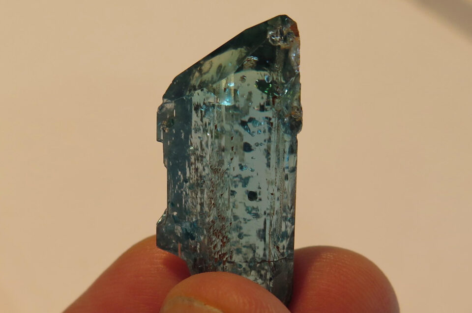 EUCLASE-CRYSTAL-FROM-COLOMBIA-OF-3-CM.-Photo-by-Federico-Barlocher