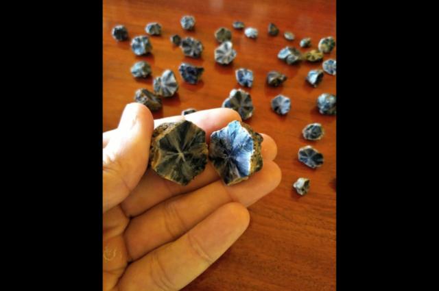 Trapiche-Sapphires-from-Mogok2.-Photo-by-Federico-Barlocher