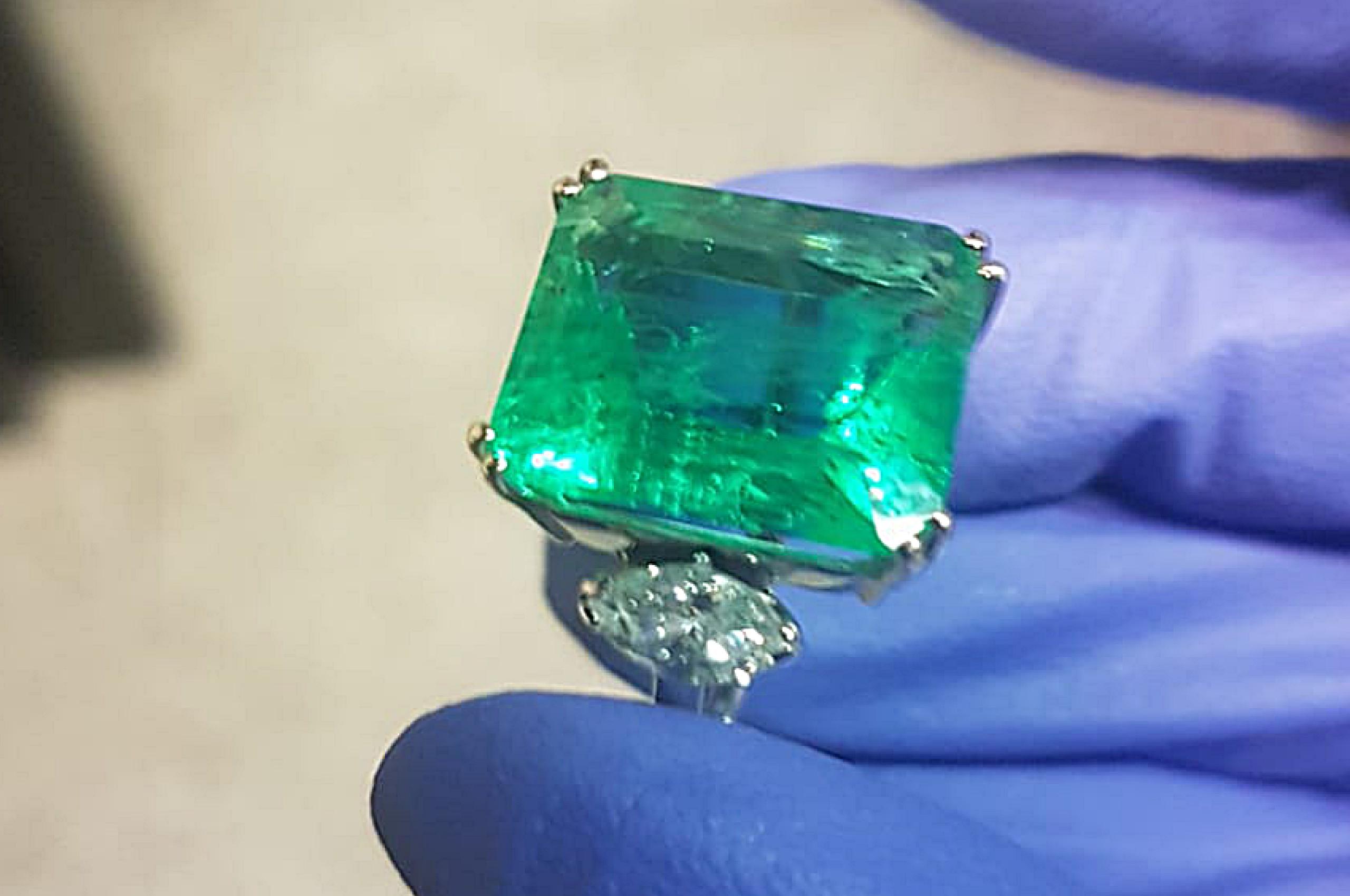 Glass, Imitation of Emerald. Photo by Fausta Aidala