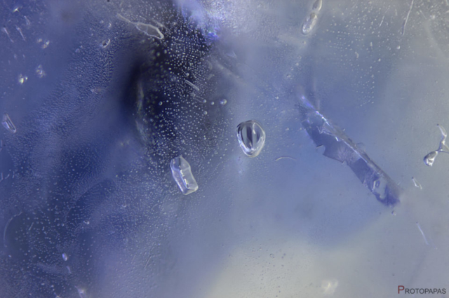 Rounded-crystals-and-fingerprints-in-Sapphire-bought-as-Beryllium-treated.-Photo-by-Protopapas