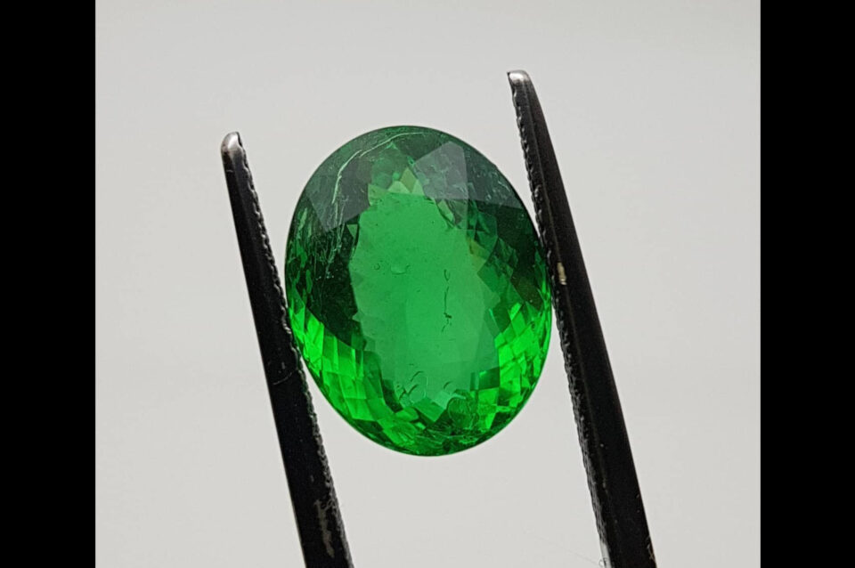 Emerald from Brazil treated with opticon. Photo by Felipe C. Pereira