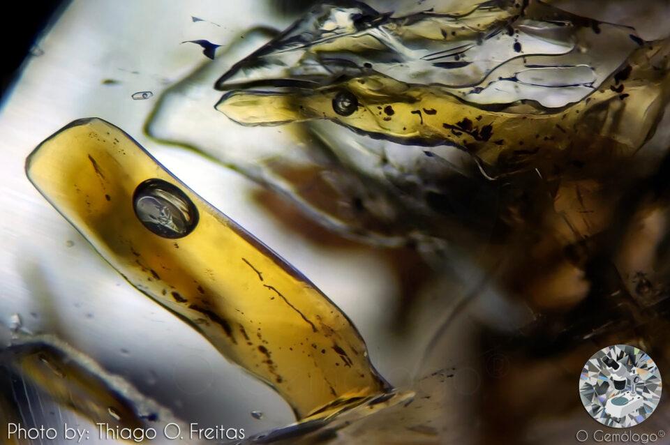 Petroleum Quartz. Photo by Thiago O. Freitas