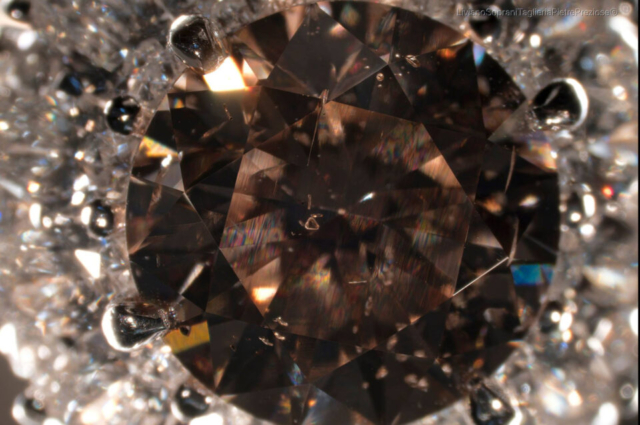 Interference colors generated by lattice dislocation visible even to the naked eye and Crystals in brown Diamond. Photo by Liviano Soprani